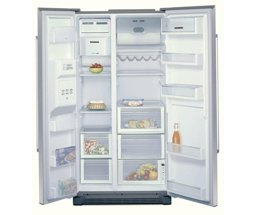 Binnenzijde van de SIEMENS amerikaanse koelkast type KA58NP95