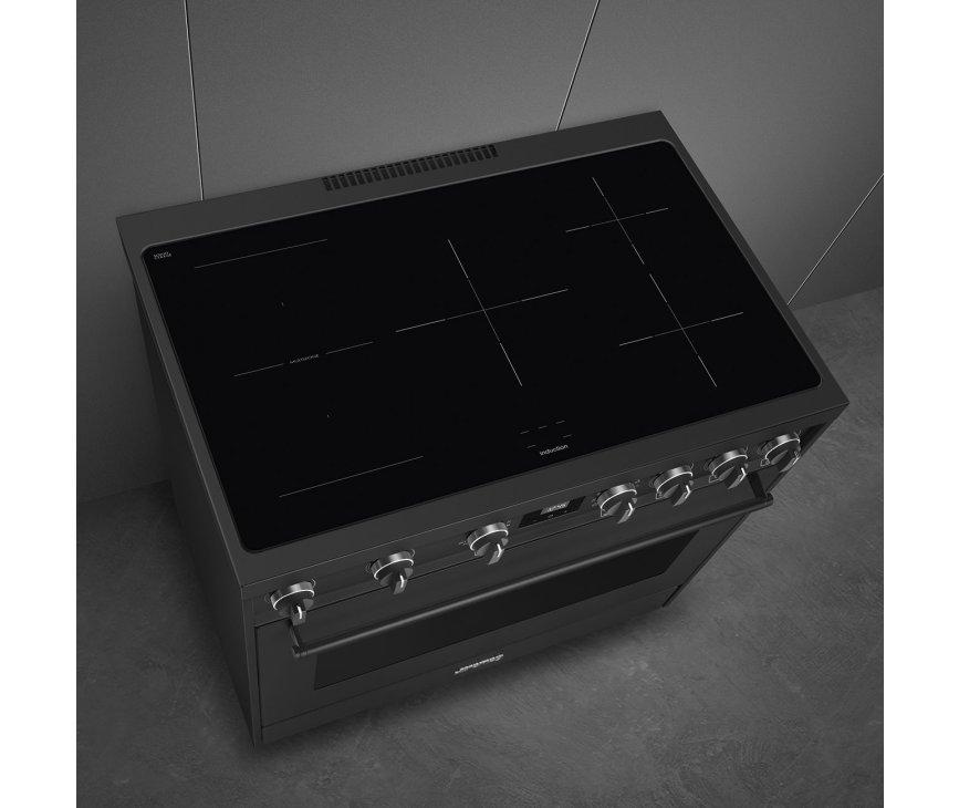 De C91IEA9 heeft 5 inductie kookzones welke door middel van de knoppen aan de voorzijde ingeregeld worden.