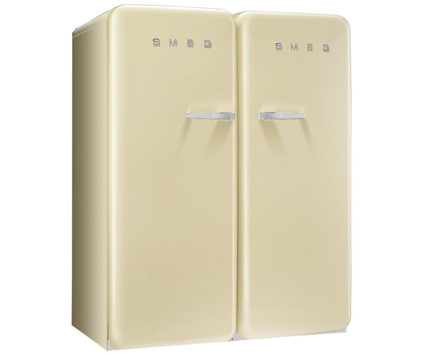 De Smeg CVB20LP1 vriezer van SMEG gecombineerd in een side-by-side set met bijpassende SMEG koelkast
