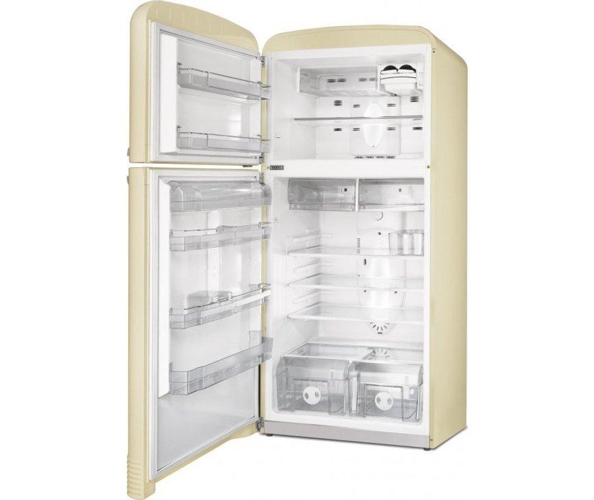 Afbeelding van de binnenzijde van de FAB50PS koelkast van SMEG uitgevoerd in de kleur creme