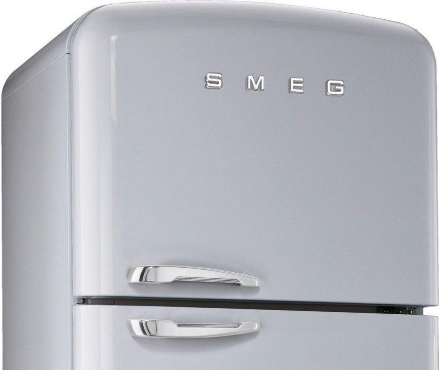 De Smeg FAB50X heeft een no frost vriesgedeelte aan de bovenzijde