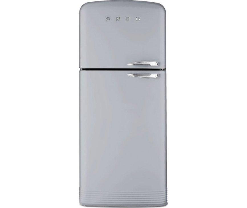 Front aanzicht van de brede en ruime retro jaren 50 koelkast van SMEG: FAB50XS