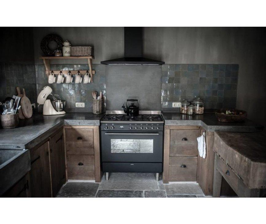 De Smeg DS96MFA7 geintegreerd in een handgemaakte keuken. Super gaaf!