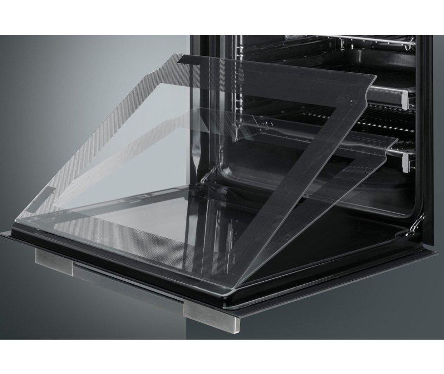 De Smeg SF122N is voorzien van meerdere glasplaten in de deur voor optimale koeling