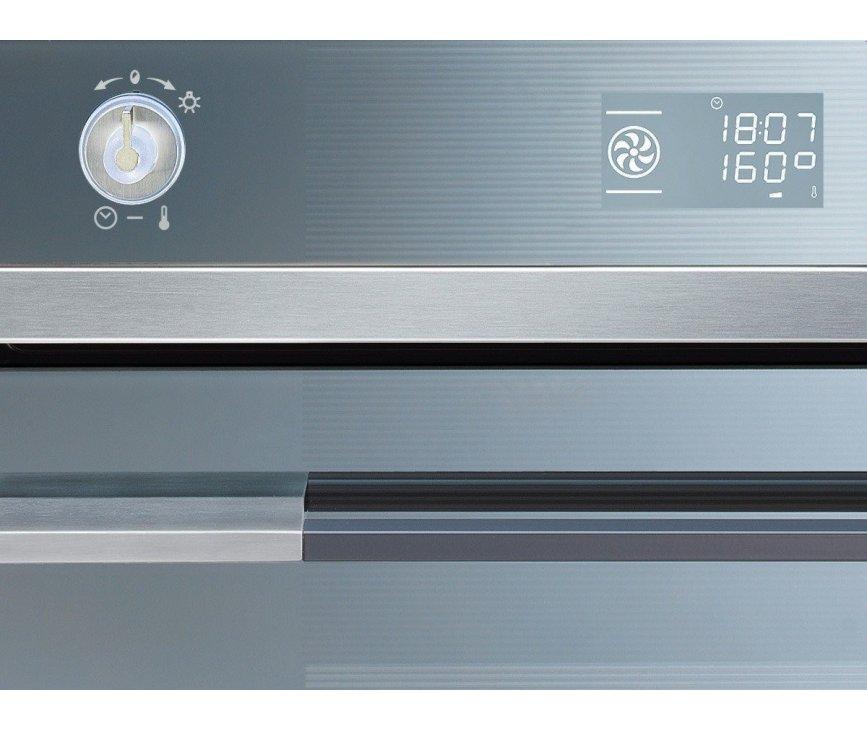 Het bedieningspaneel van de Smeg SFP125-1 inbouw oven