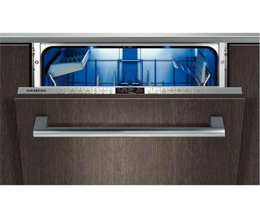 De SN69T050NL inbouw vaatwasser beschikt over luxe interieur verlichting
