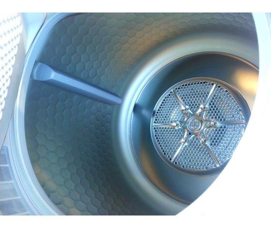 De MIELE warmtepomp droger T8164WP is uitgevoerd met de nieuwe SoftCare trommel