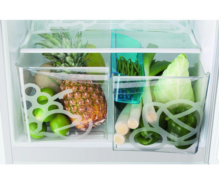 De Zanussi ZRB34103WA koelkast is voorzien van twee verslades voor uw groenten