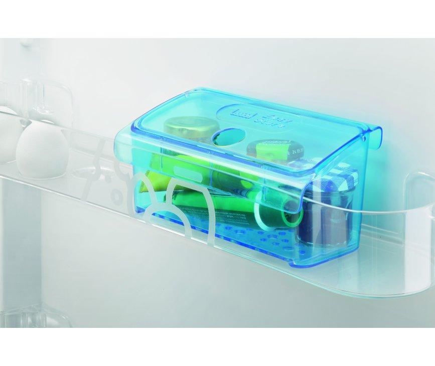 De easybox van de Zanussi ZRG15800WA tafelmodel koelkast helpt handig bij het apart houden van kleine spullen