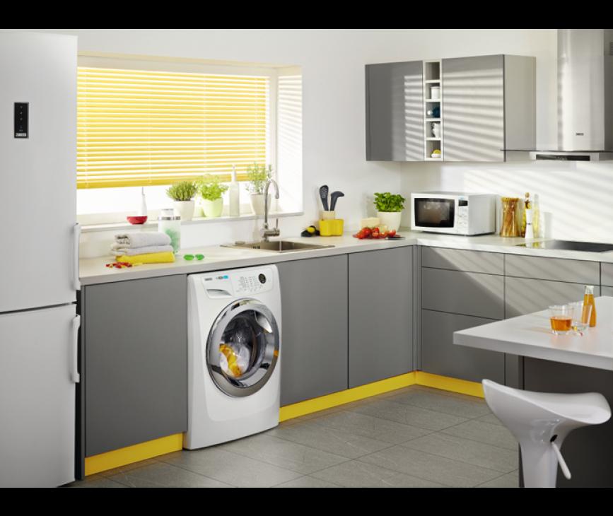 De Zanussi ZWF01483WH wasmachine is direct tussen twee kasten in te bouwen