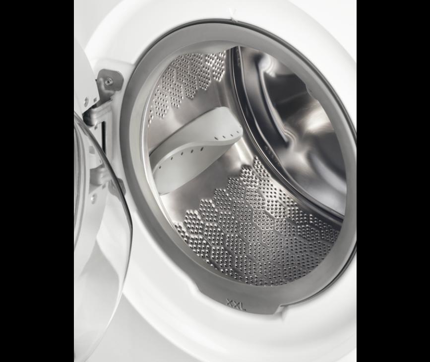 De trommel van de Zanussi ZWF71463W wasmachine