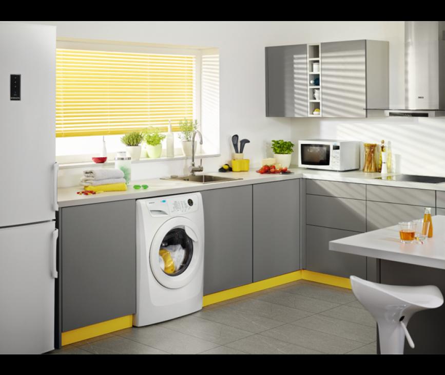 De Zanussi ZWF91483W wasmachine is direct tussen twee kasten in te plaatsen