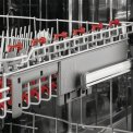 De bovenkorf van de AEG vaatwasser F78702VI0P is voorzien van SoftGrips en SoftGripes