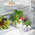 De Aeg S53110CNW2 koelkast wit is voorzien van verslades, die uw groente en fruit langer vers houden