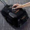 AEG VX7-2-EB-L zwarte stofzuiger met parketborstel en turbozuigmond