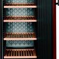 De Liebherr WKr4211 wijnkoelkast biedt ruimte aan 200 wijnflessen