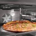 Foto van de binnenzijde van de Asko OT8636S inbouw oven