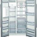 De binnenzijde van de 176 cm. hoge Bosch KAD62P91 koelkast roestvrijstaal