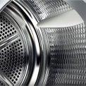 De Bosch WTY87700NL droger warmtepomp heeft een capaciteit van 8 kg