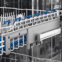 De bovenkorf van de Electrolux ESL7220RO inbouw vaatwasser is uitrekbaar en voorzien van neerklapbare steunen