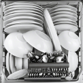 De Electrolux ESL8330RO inbouw vaatwasser heeft een capaciteit van 15 standaard couverts