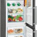 De Liebherr CBNPbs3756 koelkast is voorzien van BioFresh om groenten en fruit vers te houden