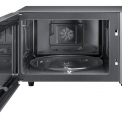 Het design van de Samsung CE117PT-X1 is strak en voorzien van een eenvoudige bediening