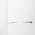 De Samsung RB31FERNDWW is voorzien van een display voor het instellen van de temperatuur