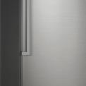 De Samsung RR35H60057F heeft een digitaal bedieningspaneel aan de buitenzijde