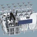 De indeling van de onderkorf van de Siemens SN28M250EU vaatwasser is zeer praktisch vormgegeven.