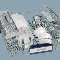 De bovenkorf van de Siemens SX68M058EU beschikt over de doseerassistent