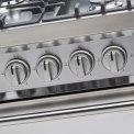 Door de grote knoppen en de unieke kaderdeur heeft Smeg DS9GMX een strakke vormgeving