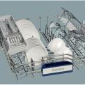 De bovenkorf van de Siemens SN69T050NL is flexibel indeelbaar en voorzien van doseerassistent