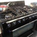 De Smeg TR90NNL is uitgevoerd met een enkele oven met een inhoud van 119 liter.