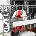 De bovenkorf van de Whirlpool WSFC 3M17 X is eenvoudig in hoogte verstelbaar