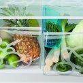 De Zanussi ZRB34103XA koelkast rvs beschikt over twee vershoudladen voor uw groenten