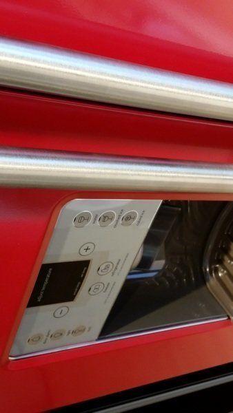 ioMabe Amerikaanse koelkast uitgevoerd in de kleur rood
