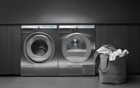 De W4086C.S RVS wasmachine van ASKO gecombineerd met bijpassende droger