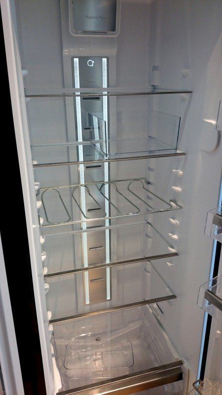 Foto van de Bauknecht KR Platinum SW, de koelkast welke rechts geplaatst is.