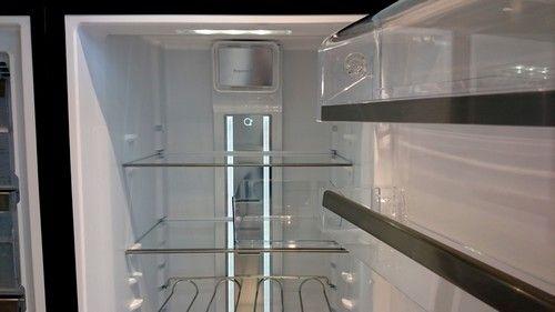Fraai in het koelgedeelte is de heldere LED verlichting welke over de volledige hoogte geplaatst is