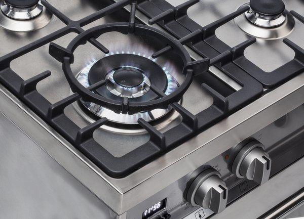 De wokbrander van de Smeg DS9GMX bevindt zich linksvoor en heeft een vermogen van 4,2 kW