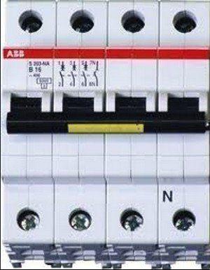 Bij een 2-fasen of 3-fasen aansluiting zal er een andere automaat in de meterkast geplaatste worden.