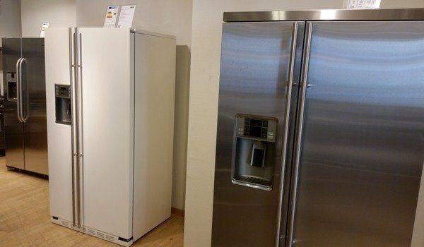 Foto van de opstelling van de Amerikaanse koelkasten in onze winkel in Bussum