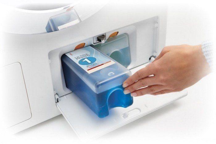 Miele Ultraphase 2 is de wasmiddelversterker welke zorgt voor een betere vlekverwijdering en - dankzij de aanwezigheid van bleek - ook voor behoud van kleur