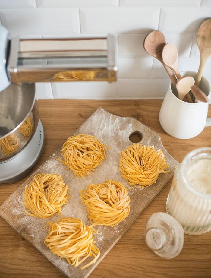 Met de hulpstukken van de Smeg keukenmachine heeft u binnen enkele minuten heerlijke verse pasta
