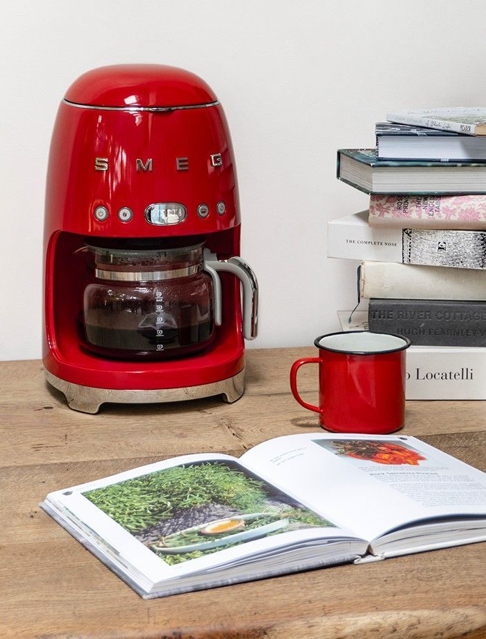 Praktisch is de KeepWarm functie waarmee de koffie 20 minuten na het zetten op temperatuur blijft.