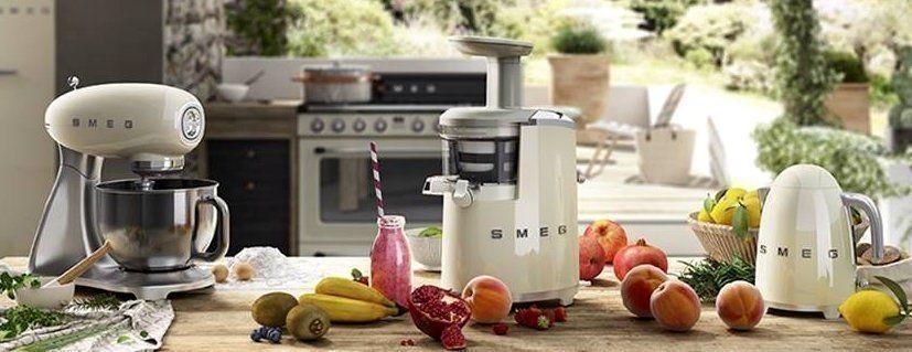 Met de komst van de Smeg Slow Juicer is de lijn klein huishoudelijke apparatuur wederom uitgebreid