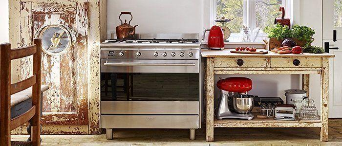 De betaalbare SNL serie fornuizen van Smeg is zeer succesvol en fraai te combineren in iedere keuken